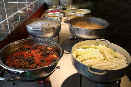 תבשילים בבופה - המטבח של האחיות ונורה - חוויה קולינרית מהמטבח הדרוזי